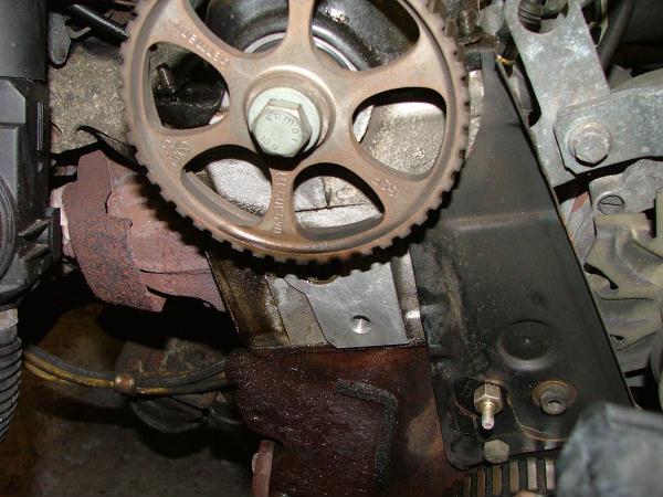 Motor mit abgenommenem Zahnriemen